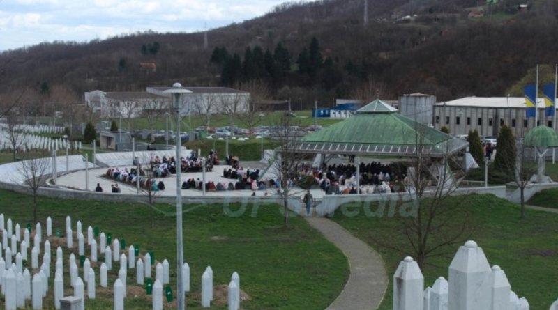 Petnaesta godišnjica prve dženaze u Potočarima
